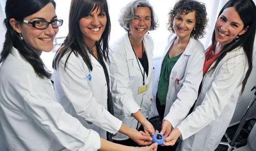 Un anillo uterino reduce partos prematuros en embarazo de riesgo